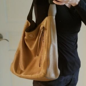 Tory Burch Excellent Pre-Owned Condition Hobo Bag